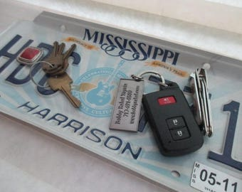 Repurposed License Plate Coin and Key Tray - Rustic Mississippi Plate - FREE SHIPPING - Serving Tray - Gift