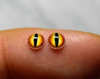 Dragon irises 4mm SM color Gold
