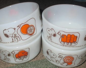 Vintage Fire King Snoopy Glass Orange Ice Cream Bowl LOT of Four Bowls