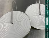 Modern White Concentric C...