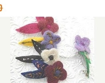 CLEARANCE - Floral hair barrette, hair barrette, felt flower clip
