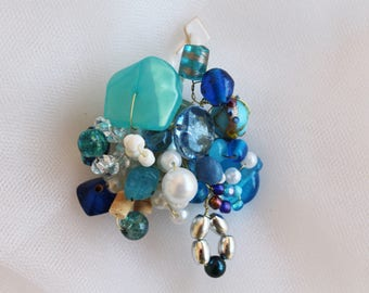 Blue Turquoise Beaded wire. pin back. Brooch,
