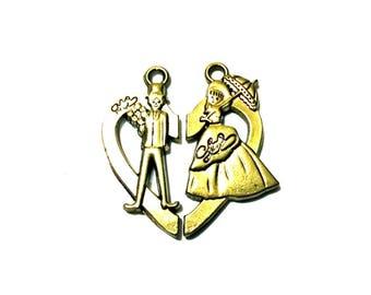 pair of Victorian couple in half heart pendants, antique gold metal alloy - C106