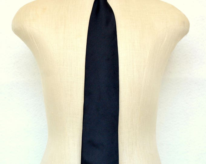 Classic KENZO SILK TIE, Hand Made in Italy.