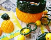Pineapple Bangle Set!  Vintage-inspired bakelite fakelite 2 part bangle set- 1940's 50's style by Luxulite