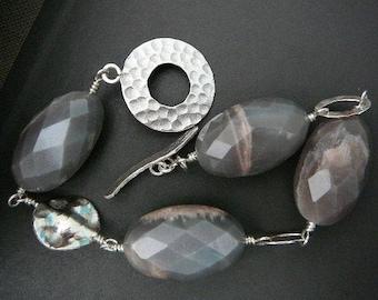 Chunky gray agate and silver Boho bracelet - Thai beads, fine silver, semi-precious stone, grey agate