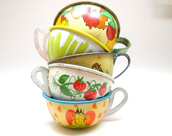 50s Tin Toy Tea cups, Instant Collection, Set of 5 Ohio Art & J Chein.