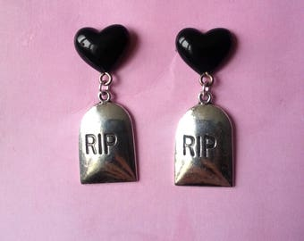 Earrings ♥ ♥ ♥ black hearts and tombstones RIP stones