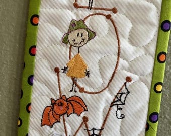 Quilted  H A L L O W E E N Wall Hanging . .  . Spooky Stick Figures . . . Embroidery  Design . . . Spider Wall Hanger