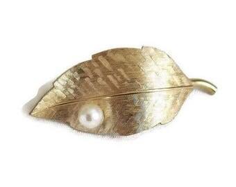 SALE Cultured Pearl Etched Leaf Brooch Vintage signed Krementz