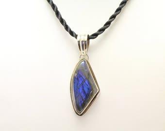 Labradorite Pendant. Listing 534863494