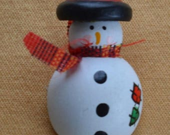 ON SALE Cute Vintage Wooden Snowman Pin, Painted (I5)