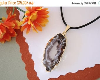 ON SALE Druzy Necklace Gold, Geode Necklace, Crystal Necklace, Gold Geode Slice Druzy,GG69