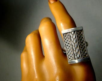 Celtic Interlace Sterling Silver Ring,  Ladies American Ring Size 9, 1980s, Tribal and Timeless