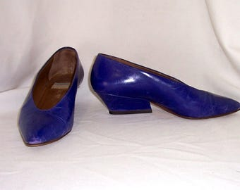 Sz 7 U.S., Sz 37.5 Euro women Vintage Blue leather 1980s Italian made Fausto Santini wedge heel slip on shoes.