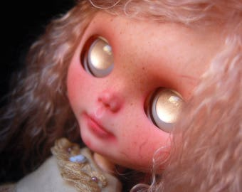 Peach, custom original Blythe doll with Mohair reroot, by Fausto&Gretchen