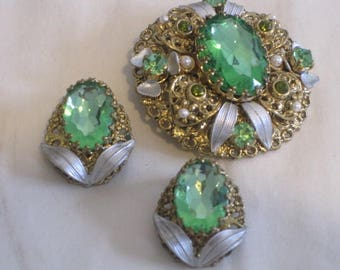 vintage 1940s Peridot Glass Stone Brooch and Earring set