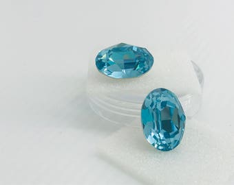 Swarovski 4120 18/13 Light Turquoise