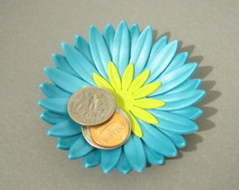 Teal Blue Pearl Daisy Ring Dish - Flower Trinket Dish - 3 Inch Diameter, Flower Trinket Dish, Polymer Clay Ring Dish, Red Orange Daisy