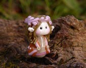 Little Elven Princess with flower petal crown glass bead
