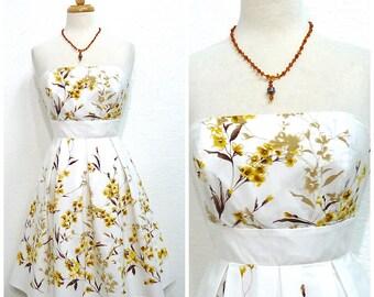 Vintage 50s dress Strapless White Yellow Floral print cotton 1950s Summer dress XS /S