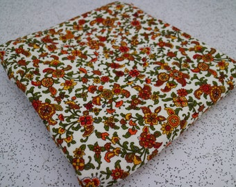 ditsy floral in autumn colours...vintage cotton fabric yardage