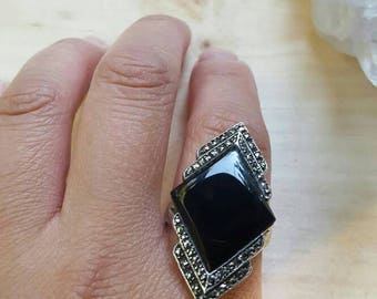 VINTAGE// Art Deco Style- Black Stone Marcasite Sterling Silver Ring .925 - Size 7.5