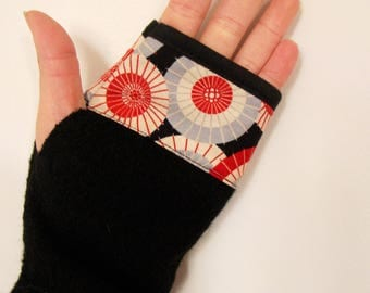 Black fingerless gloves wool BOILED and printed Japanese
