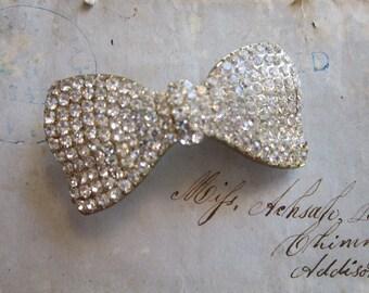vintage rhinestone bow finding - gold tone base - clear rhinestones - reuse