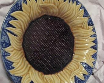 Vtg. Metropolitan MOA Majolica Sunflower bowl-sale