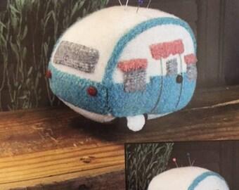 "Wool Vintage Camper Pincushion Pattern - Jennifer Clemen for Cottonwood Creations - 4"""