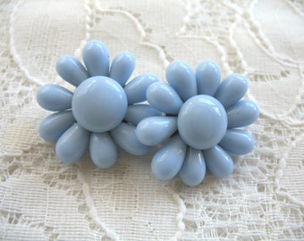 Vintage Cluster Earrings ~ Clip On ~ Periwinkle Blue Glass Beads