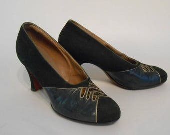 A Day Out at the Races - Vintage 1930s Dark Green Nubuck Leather &  Dark Teal Leather Pumps Heels Shoes - 5 1/2