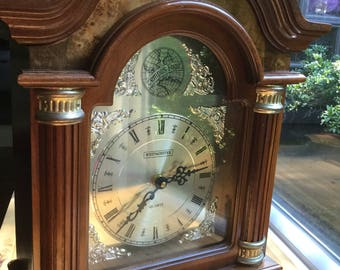 """Vintag Westminster Quartz Mantel Clock """"Tempus  Fugit"""" Tested Battery Operated Free Shipping!"""