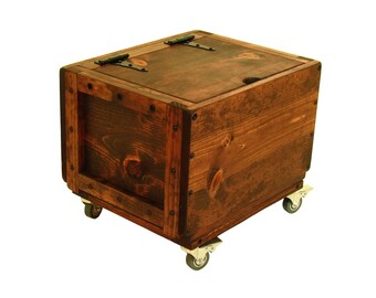 Rolling Wood Crate with Lid, Small Trunk on Wheels, Rolling Lidded Chest, Mobile Lidded Wood Box, Lidded Wood Box on Wheels, Keepsake Box