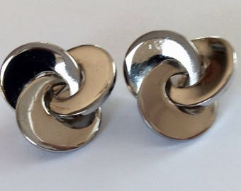 Vintage MARINO Silver Swirled Disc Clip Earrings- 1960's
