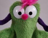 Little Beastie Hand Puppet (Green)