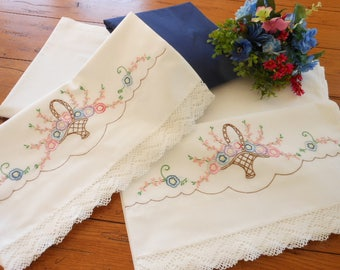 Vintage King Size Percale Sheet Set With Hand Embroidered King Size Pillowcases