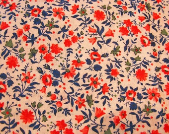 """1970s Vintage Calico Fabric Red Blue Small Floral Print Cotton Fabric 53"""" Long"""