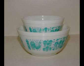 "Pyrex Vintage Two Mixing/Nesting Bowls - BUTTERPRINT - Two Smaller Sizes - 401 and 402 - White with Turquoise ""Amish"" Pattern - Mint Pyrex"
