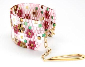 Flower Beaded Bracelet - in stock!