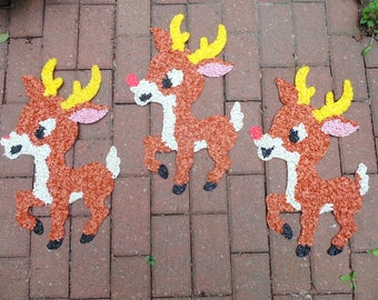 "Christmas. Reindeer. Christmas. lot. Melted Plastic. REINDEER. Plastic Popcorn. Decoration. lot of 3. Large 22"" x 13"". Made in USA."