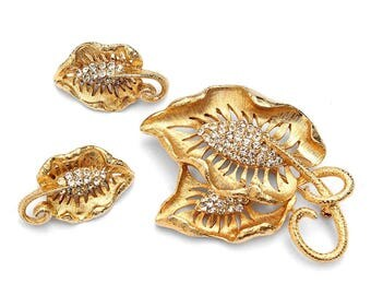Lovely Vintage Crystal Rhinestone Gold-Plated Leafy Brooch and Earring Demi Parure