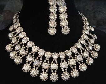 Vintage Rhinestone Necklace Set in clear rhinestone and silver tone Bib design with Long Earrings unsigned Kramer wedding bridal jewelry