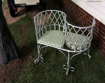 Silver kissing bench with upholstered cushions - dollhouse miniature
