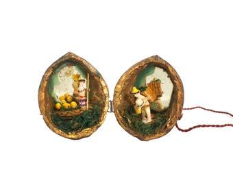 Walnut Shell Diorama - Miniature - Folk Art - Collectable - Mexican