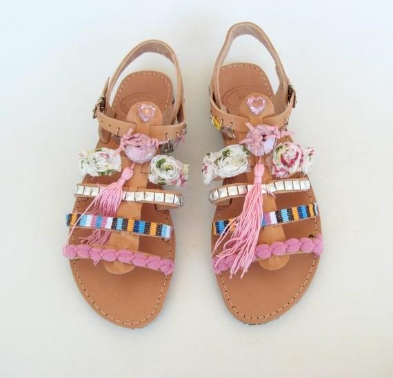 Boho Sandals/Pompom sandals/Friendship sandals/Pompom gladiator pink sandales grecques