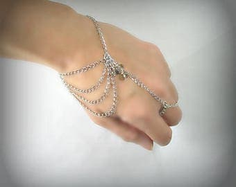 Ring bracelet with silver chain and swarovski (m9a)