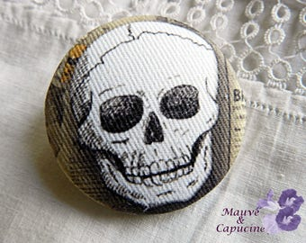 Fabric button, skull, 1.57 in / 40 mm
