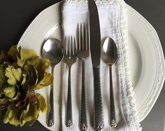 Bordeaux Oneida Silverplate Single Flatware Setting 5-Pc Vintage Gumbo Spoon / Salad Fork / Dinner Fork / Dinner Knife & Teaspoon - #J3009